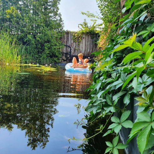 kerti és fürdő tavak